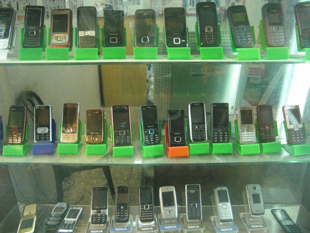 僕の住んでいたマンベジ市(小さめの町)の携帯ショップ